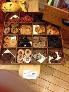 How I LOVE wooden buttons!