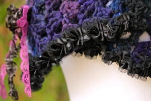 variegated cowl close up ribbon