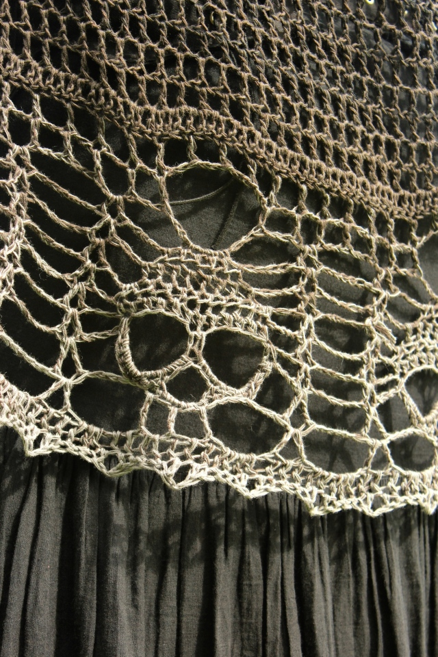 The Minds Edge A Skull Shawl Without A Pattern Stitch Noir