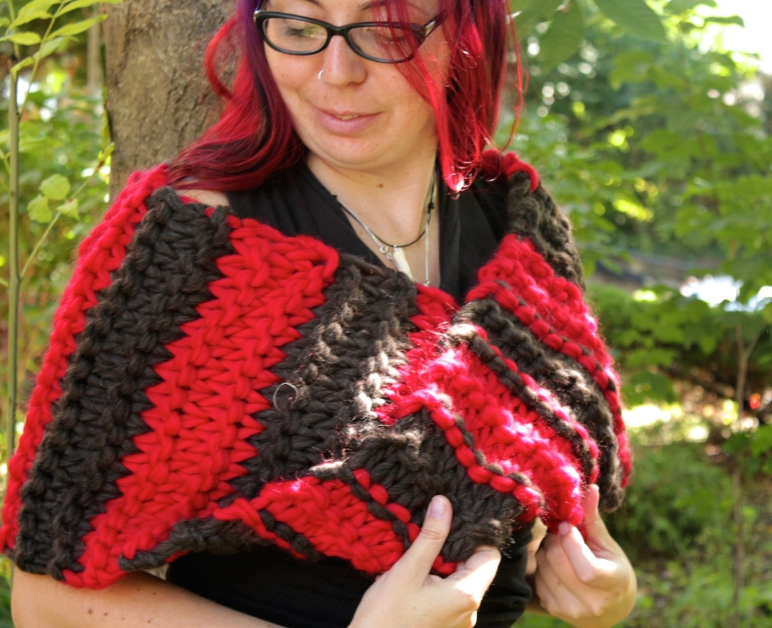 Bulky knitted cowl - red and black Cascade Magnum